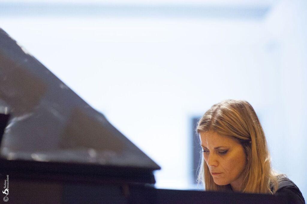 Stefania Tallini Live